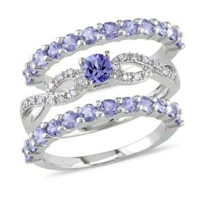 Flash and 1HR SALE ♥Sterling silver Tanzanite ring